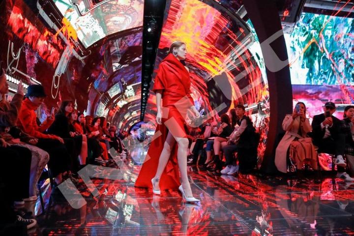 INFiLED per Balenciaga Summer 19: una nuova frontiera nel mondo delle tecnologie per lo spettacolo