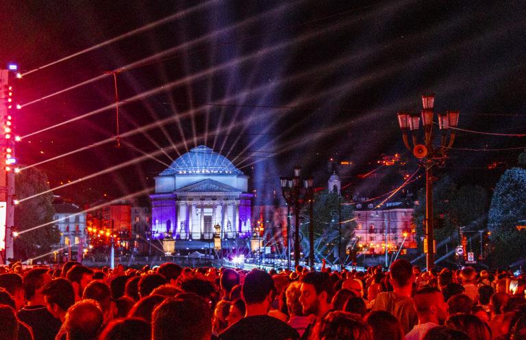 Torino festeggia con ROBE la San Giovanni Night Experience