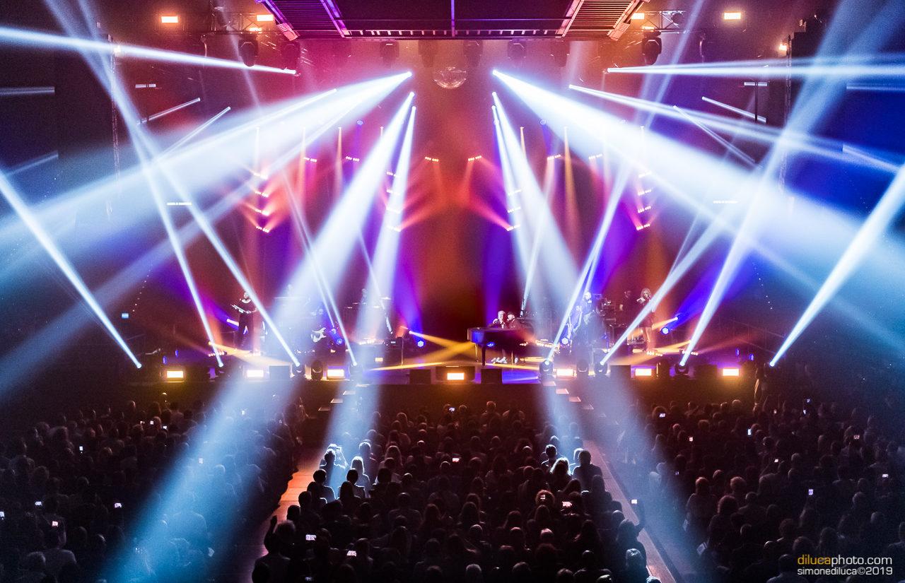 MegaPointe di ROBE in tour europeo con Raf e Tozzi
