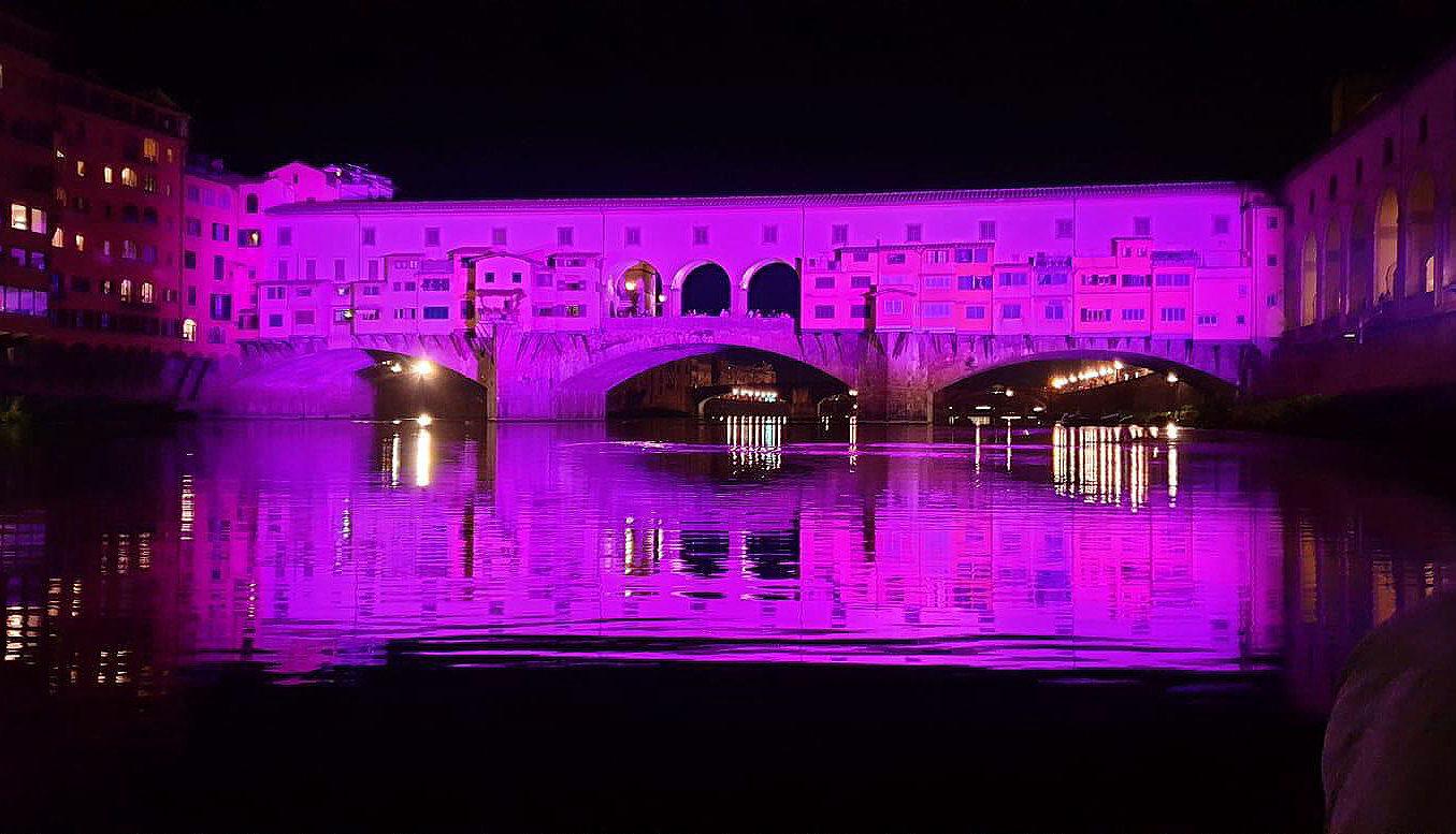 """Ponte Vecchio """"in rosa"""" con gli Spiider di ROBE lighting"""