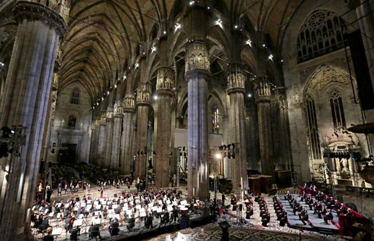 ROBE al Duomo di Milano per la Messa da Requiem di Giuseppe Verdi
