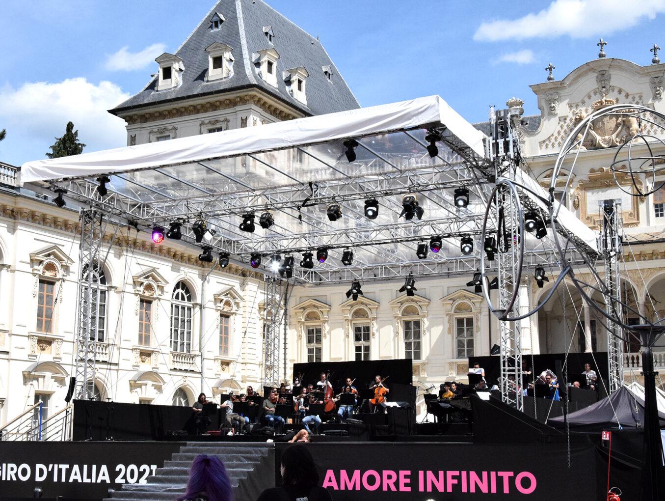 Giro d'Italia 2021 con ROBE e Robert Juliat